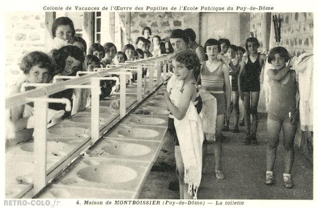 Toilette Au Lavabo Maison De Montboissier Retro Colo
